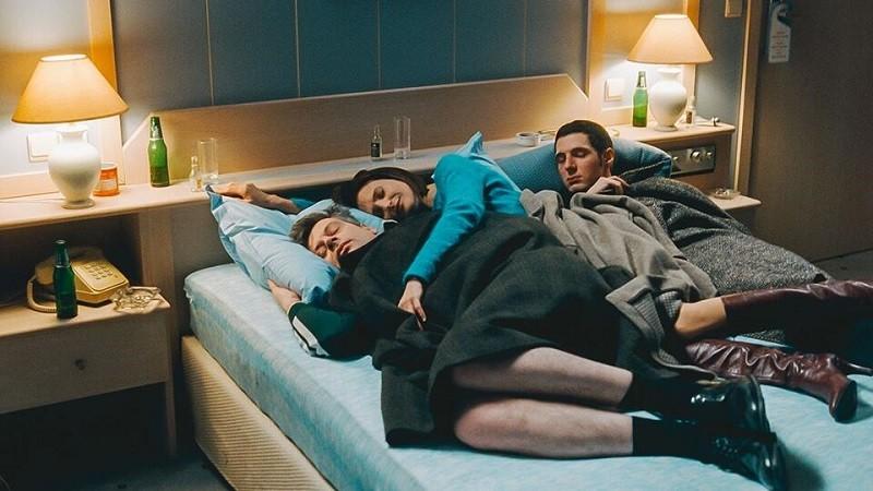 Critique Cine Sous Les Draps De La Chambre 212 Le Quotidien