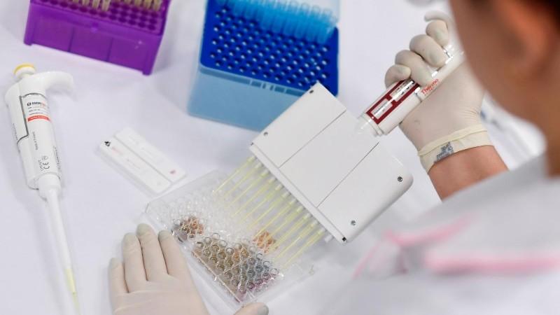 Des premiers résultats encourageants pour le candidat-vaccin d'Oxford et AstraZeneca — Coronavirus