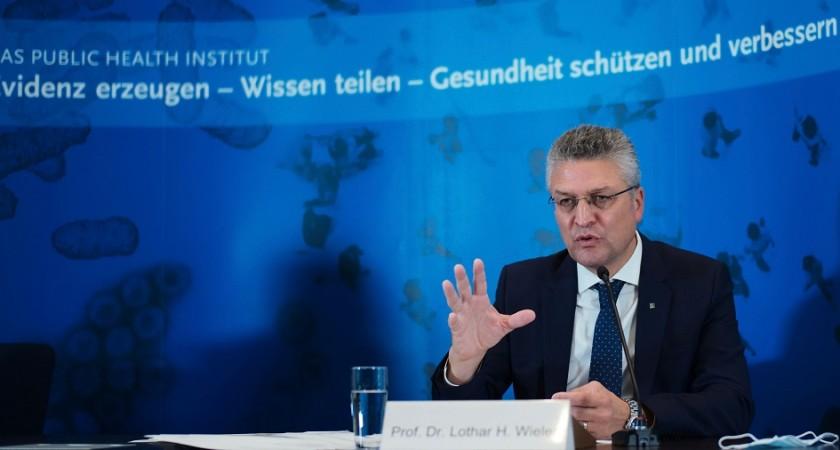 Le président de l'institut de veille sanitaire Robert Koch Lothar Wieler s'est chargé de faire une piqûre de rappel aux Allemands